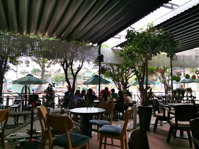 mái xếp di động nhà hàng